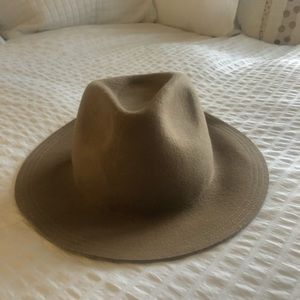 BOATER STYLE BROWN HAT